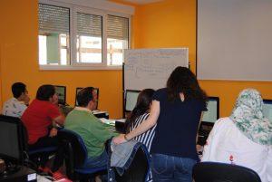 Vanesa imparte en estos momentos un curso de informática básica en el marco del plan integrado